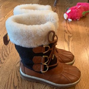 Tory Burch snow boots - size 6M